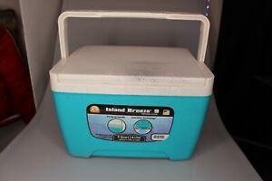 IGLOO 9 Quart Island Breeze Hard CoolerBlue White 13 Can Capacity Made In USA