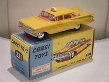 """Corgi no: 221 """"chevrolet impala new york taxi"""" - jaune (original 1960's/Boxed)"""