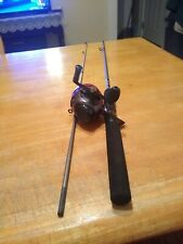"Zebco 404 5'4"" 2pc Rod and Reel Spincasting Combo Very Good Condition"