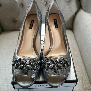 alex marie shoes silver embellished  9 stiletto heels Peep toe