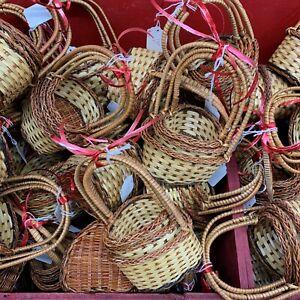 10x3=30 Holiday Gift LOT: Nesting Wicker Basket Set of 3 Heart Shape Handle Mini