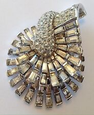 VINTAGE BOUCHER SIGNED & NUMBERED CLEAR BAGUETTE RHINESTONE FUR CLIP BROOCH