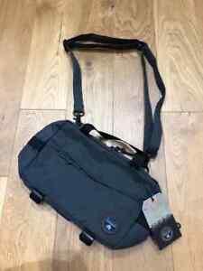 Brand new Napapijri HUDSON CROSS Bag in grey