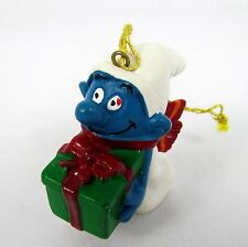 SMURFS Vtg 1981 Christmas Tree Ornament Present Gift Giving Smurf Portugal Figur