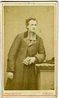 PHOTO CDV ST Etienne Rousseau un religieux prend la pose vers 1870
