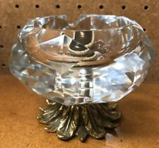 VINTAGE BRILLIANT CRYSTAL ASHTRAY WITH METAL FOOTED BASE