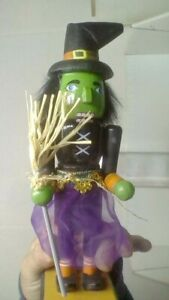 COOL HAPPY  HALLOWEEN GREEN WITCH 8 IN. NUTCRACKER FIGURE NON MOVING MIB