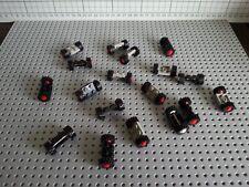 LEGO VINTAGE - 18 PIECES (122c01) 2x2 WHEEL HOLDERS PLATE & WHEELS TYRES & HUBS