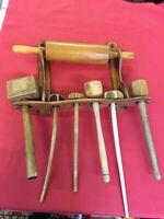 vintage Küchen Holzregal mit Quirlen, Kartoffelstampfer, Fleischlopfer aus Holz
