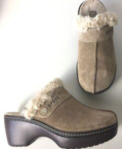 Crocs Eva Cobbler Suede Mule Clogs Womens Sz 4 Tan w/ Faux Fur Lining Comfort