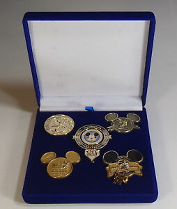 Limited Edition Of 500 Walt Disney 2013 20th anniversity Weekend Pin Set