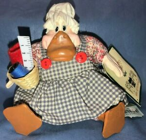 Russ Berrie The Country Folks Mrs. Quackerly Duck Sewing Ruler Easter Decoration
