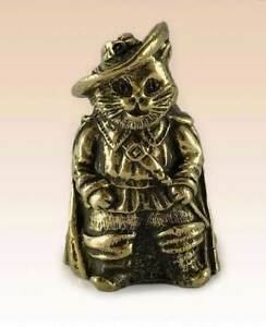 """""""Cat in boots"""" Souvenir Сollectable Thimble Figure Statue BronZamania B1215"""
