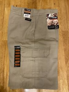 "NEW w/tag WRANGLER WorkWear Men's Work CARGO SHORTS~ 4 pair available~ 34"" x 12"""