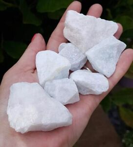 RAW CHUNKS OF NATURAL CALCITE. 1 PIECE. HEALING CRYSTAL. FROM MADAGASCAR.