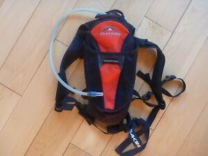 DAKINE SHUTTLE BIKE HYDRATION PACK BACKPACK 2L CYCLING BIKING BACK 8110-042-24