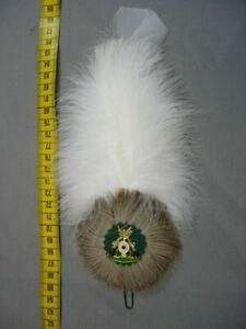 Adlerflaum Imitat weiß in 15cm mit Rosette / Wildschweinborsten Verein Hutfeder