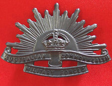 *AUSTRALIAN ANZAC WW1 & WW2 RISING SUN UNIFORM HAT OR CAP BADGE MEDAL 1