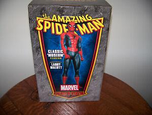 BOWEN AMAZING SPIDER-MAN MUSEUM VERSION STATUE w/ SIGNED ANDREW GARFIELD PHOTO