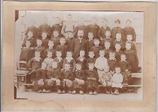 ANCIENNE PHOTO D'ECOLE  PETITS GARCONS ET MAITRE -SABOT/BLOUSES/JABOT-MEHUN-CHER