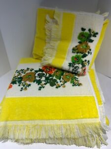 VTG yellow TOWEL set FLOWER POWER fringe 2 Bath 2 Hand 2 Wash JC PENNEY