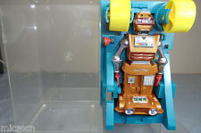 VINTAGE IDEAL MODEL OF A PLASTIC  BATTERY OPERATED ZEROIDS ROBOT