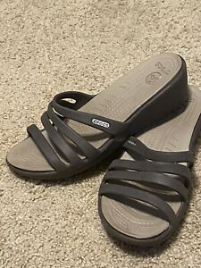 CROCS WOMENS BROWN SLIPON SLIDES OPEN TOE SANDALS SIZE 7