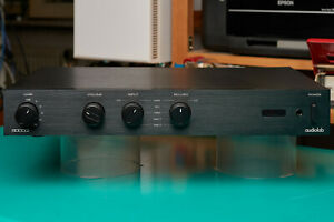Audiolab 8000Q Stereovorstufe