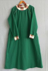 Only Necessities Lounge Dress/Sleep Wear Long Sleeve Pockets Green Size M