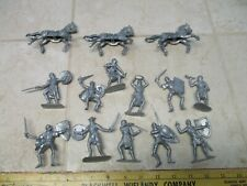 VTG Lot Jecsan 60mm Figures Soldiers Plastic Knights Army Men Silver Horses J20