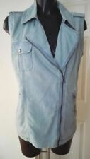 Hip Length Classic Neckline Women's Denim Jacket