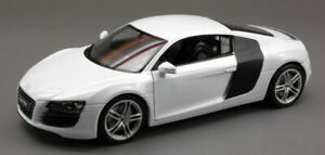 Model Car 1:24 Audi R8 V10 diecast vehicles road collection White