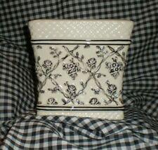 Waverly Garden Room Wellington Toile Roses Vines Black Ceramic Tissue Box Cover