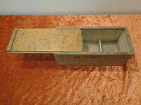 Wood Little Box / Box for Z.B Nails - Vintage - Handmade - Workshop Decor
