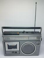 Vintage JCPenny AM/FM Radio & Cassette/2 Way Speaker Model 681-3249 Works!