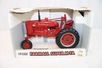 ERTL International IH McCormick Farmall Super M-TA Die-Cast Tractor 1:16 Scale