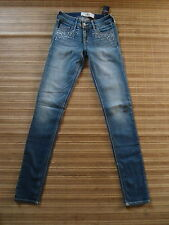 NEWT . HOLLISTER. .Woman SUPER SKINNY .  1R  ( Lower W 27-29 )