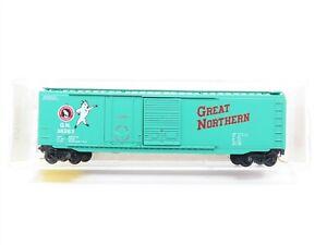 N Micro-Trains MTL 33120 GN Great Northern 50' Plug & Sliding Door Boxcar #36263