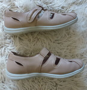 HOMY PED leather flats..size 7.5