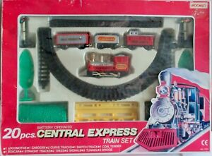 Moonbo Central Express Battery Operated Train Set // 20 Pcs #7711 - VINTAGE !!