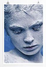 60x90cm Künstlerische Fotografie – Porträt eines mit Schnee bedeckten Mädchens