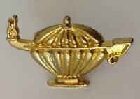 Aladdins Lamp Golden Style Pin Badge Rare Vintage (N1)
