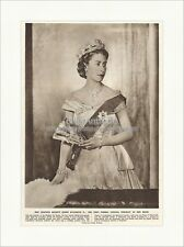 First official portrait of Majesty Queen Elizabeth Inglaterra the Empire 5135