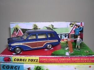 CORGI 440 FORD CONSUL CORTINA ESTATE, ACCESSORIES & BOX