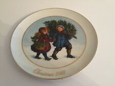 "1st Edition 1981 Avon Christmas Memories ""Sharing The Christmas Spirit"" Plate"