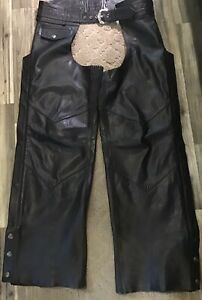 Harley Davidson Women's Medium Black GENUINE LEATHER Chaps. Zipper & Snap Leg