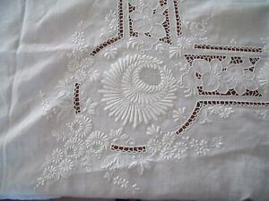 Très belle nappe en fil brodée main et 18 serviettes, monogramme BW