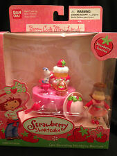 Bandai Strawberry Shortcake Miniature Berry Cute Mini Lands  2003 Rare  NIP