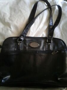 KENNETH COLE WOMEN HANDBAG 14.5 X 12 INCH