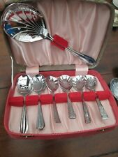 vintage canteen of spoons 12